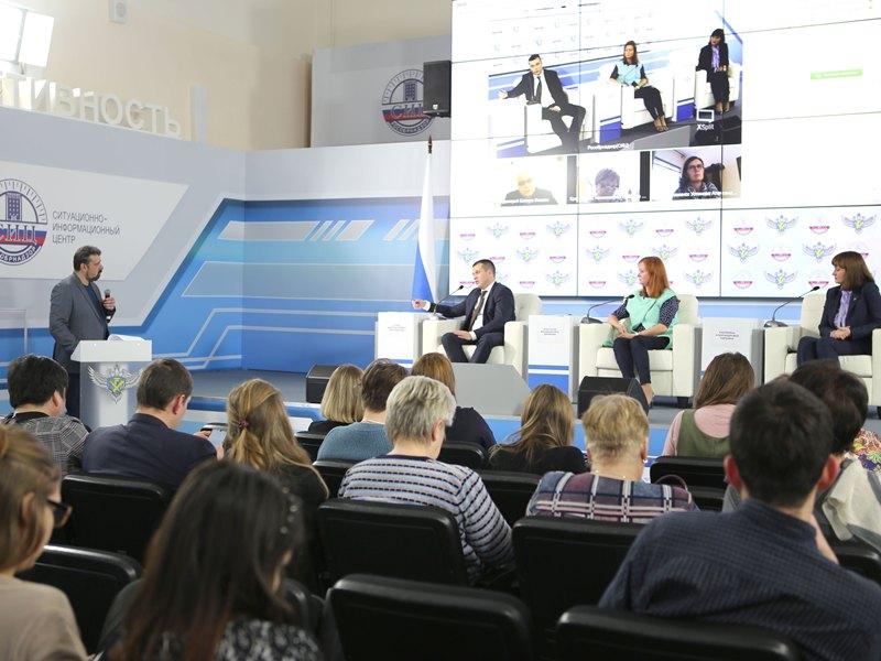 Специалисты Рособрнадзора ответили на вопросы об организации ЕГЭ и ОГЭ