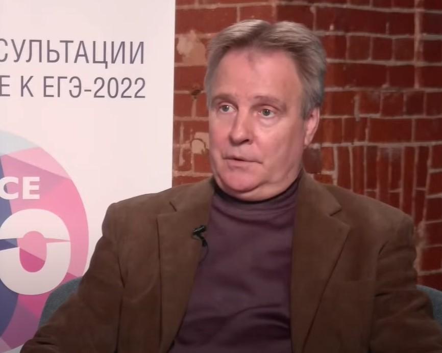 Выпускникам рассказали о ЕГЭ-2022 по литературе
